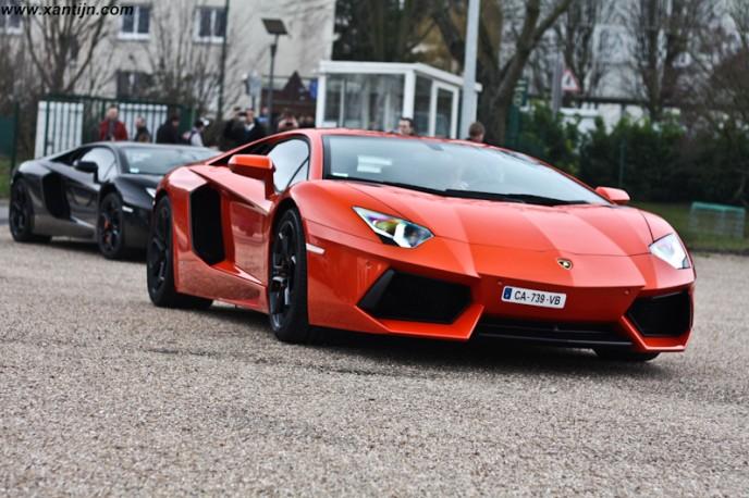 2x Lamborghini Aventador